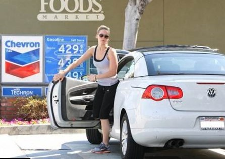 Jennifer Lawrence car