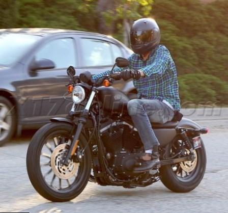 Ashton Kutcher bike