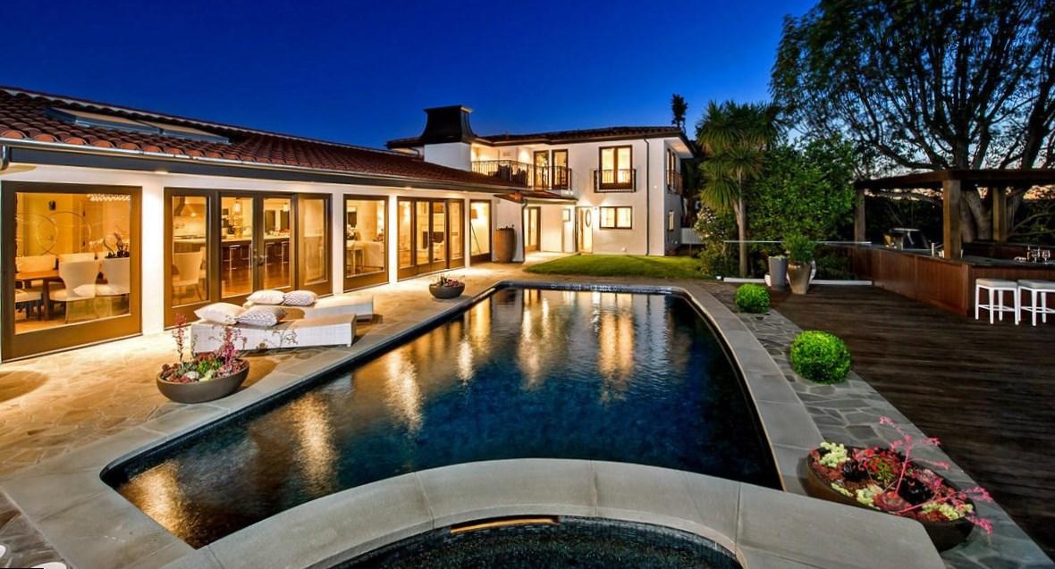 Mila Kunis house