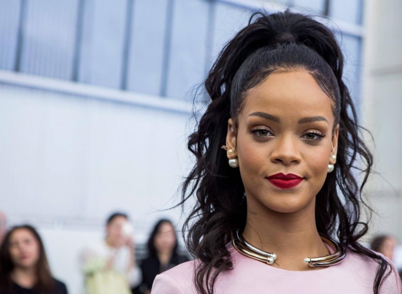 Rihanna Net Worth - Salary, House, Car