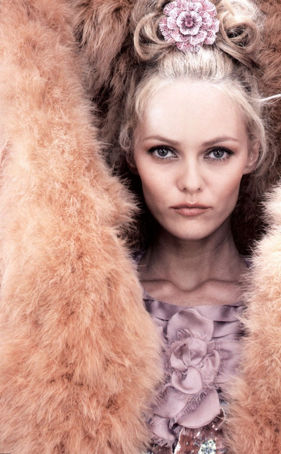 Vanessa Paradis celebrity net worth - salary, house, car Vanessa Paradis
