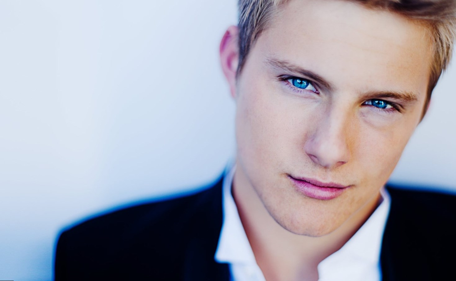Alexander Ludwig Net Worth
