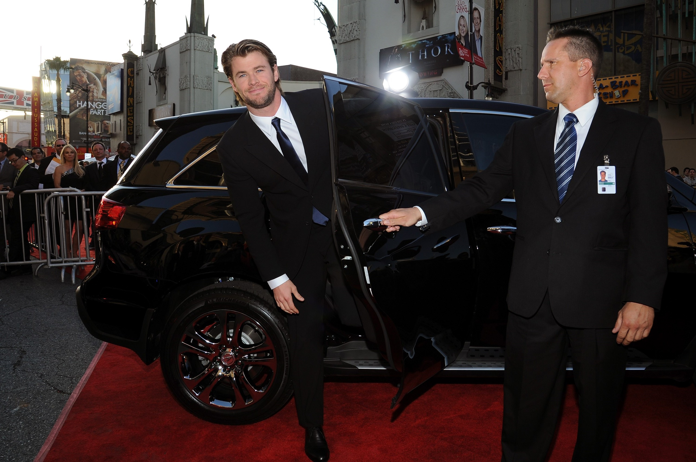 Chris Hemsworth net wo...