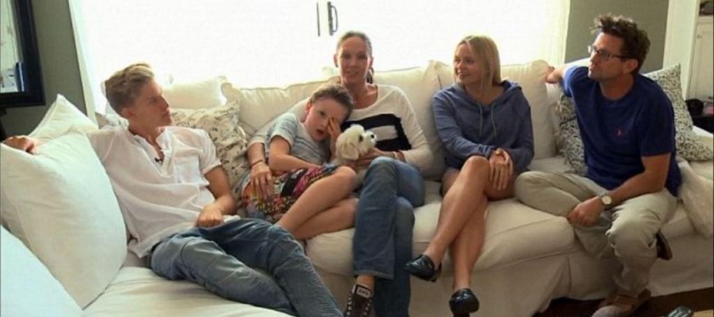 Alli-Simpson-house_family