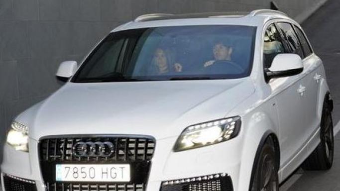 Antonella Roccuzzo. car. Audi Q7 SUV